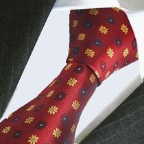 Corbata Color Vino Con Diseños, Importado. M-290