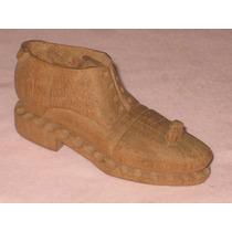 Pequeño Zapato De Madera Decorativo.