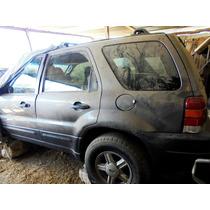 Ford Escape Chocada