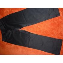 Pantalon Capri En Negro De Tela Seda En Talla 26 A 28