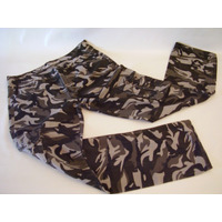 Pantalon Camuflado Importado De Milan Italia New ! ! !
