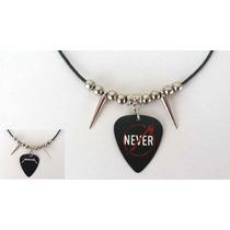 Collar Reversible De Uña De Guitarra Grupo Metallica