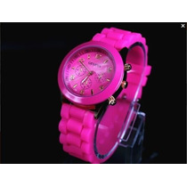 Vendo Hermoso Reloj Silicona Color Fuxia Nuevo En Caja