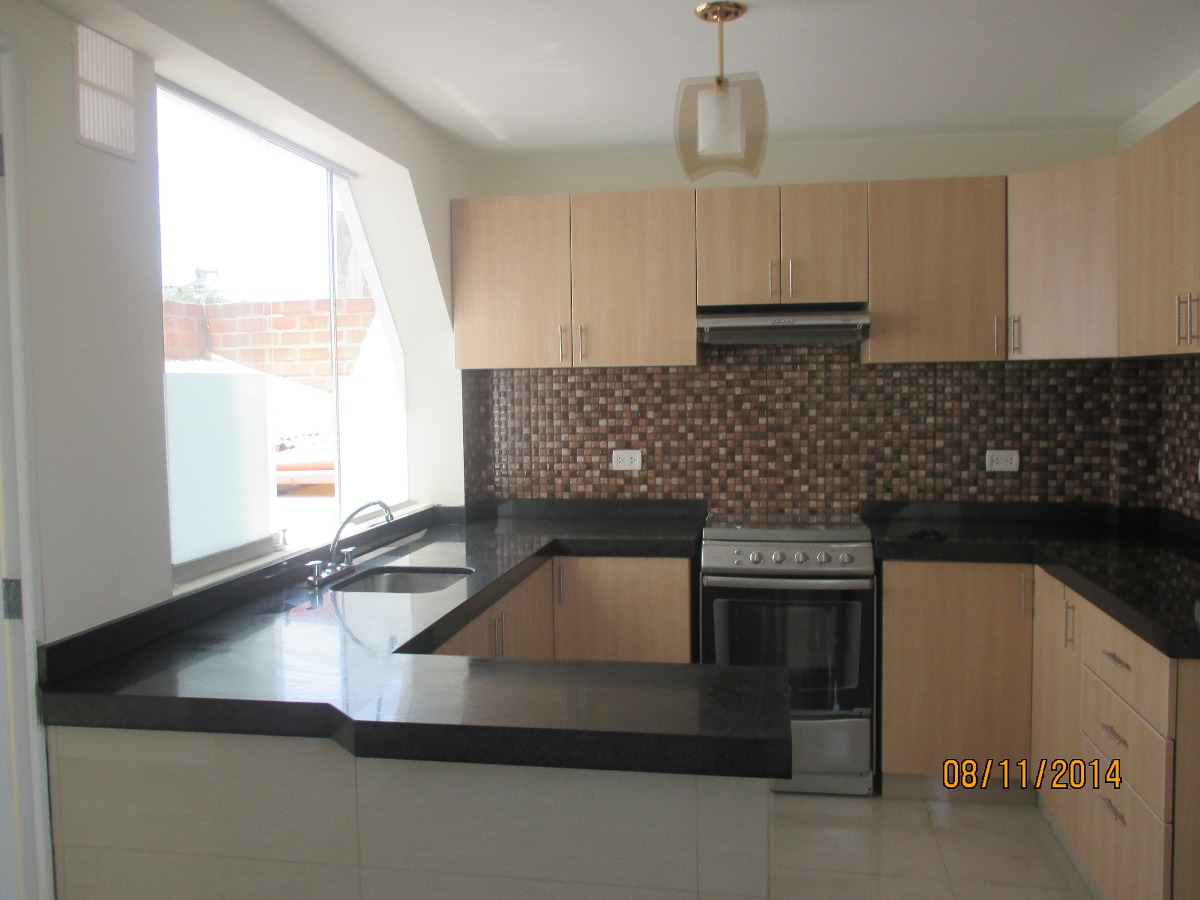 Marmol granito cuarsos tableros de cocina ba os pisos for Pisos para cocina moderna