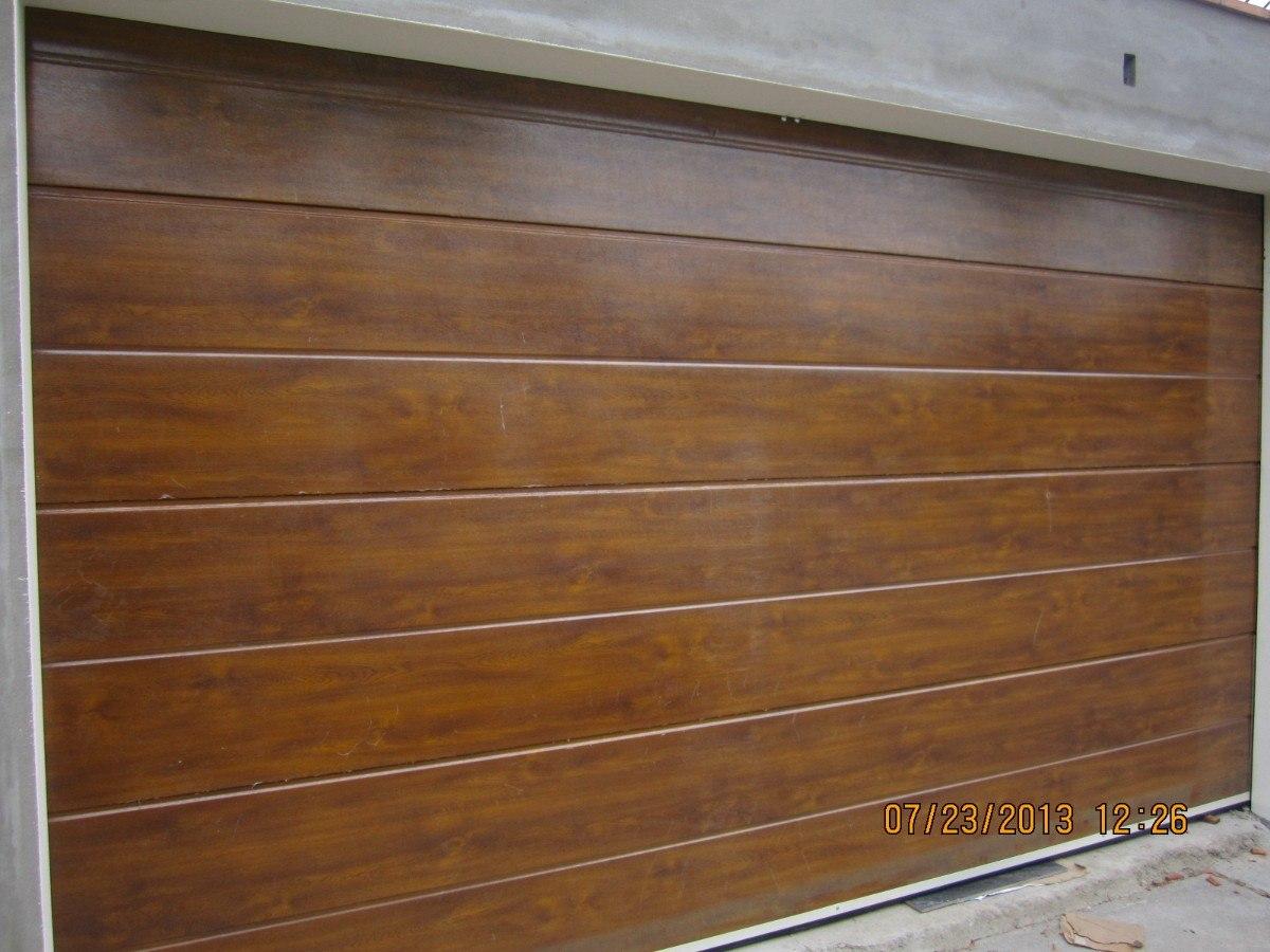 Puerta garaje madera perfect puerta de garaje seccional - Garaje de madera ...